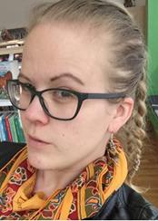 Frida Karlsson, spelar fd. äventyraren och skadade hjälteblodsspelaren Zorrah Yoël