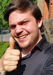 Niels Boardman Jonsson, spelar äventyraren Nil Björnfader
